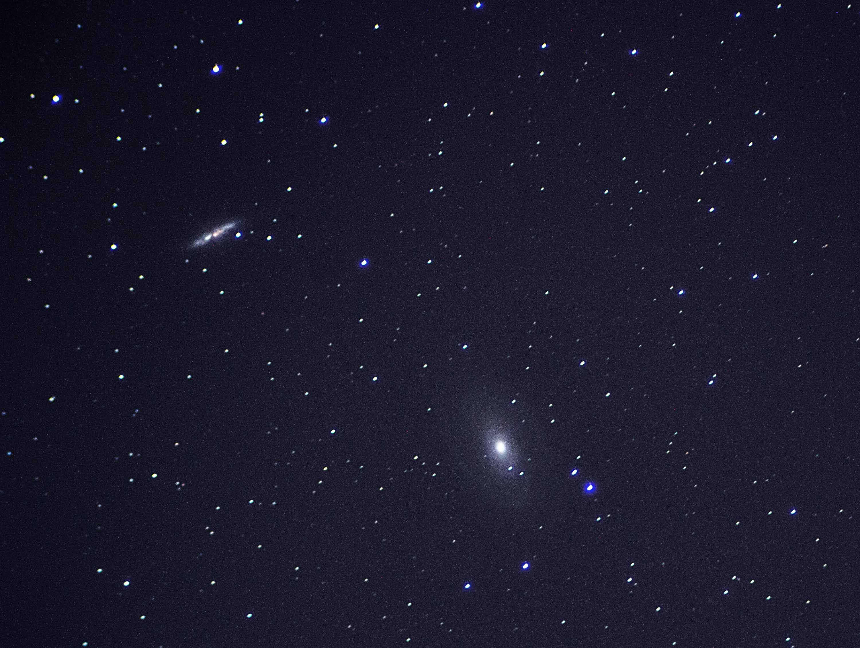 M81 and M82 - Bode and Cigar Galaxies  By Ken Kennedy.  22/11/16  20:17UT. Canon EOS 100D. 181 seconds  ISO-400.