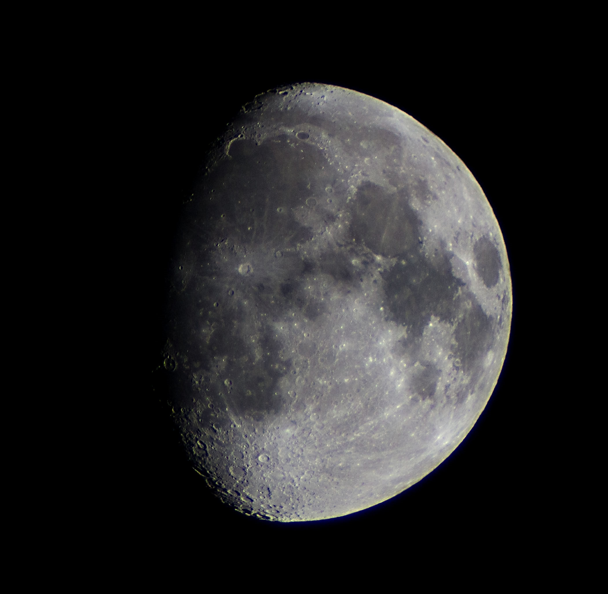The Moon by Ken Kennedy. 10.11.2016  19.24. Canon EOS 100D 1/100 second.  ISO-200. Nice detail in this moon picture by Ken