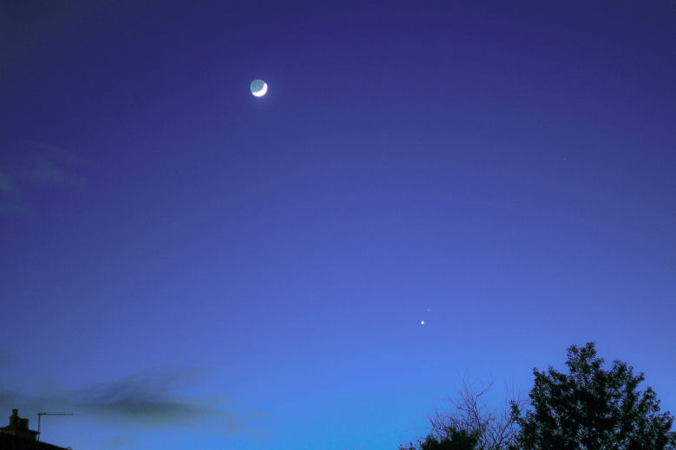 Venus, Mars conjuction with Moon By Andy Heenan. 21st February. Canon EOS 600d f/1.8,  ISO-400 1/4 second. Enhanced with Photoshop Lightroom